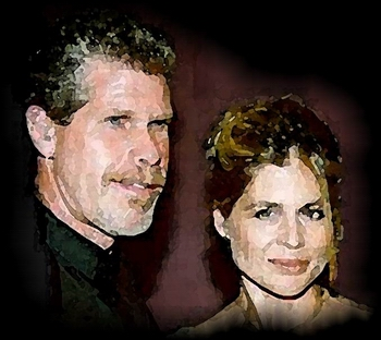 Photo of Ron Perlman and Linda Hamilton